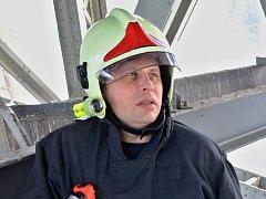 Řídící důstojník hasičů David Ďuriš