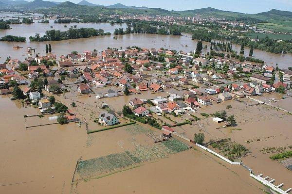 Povodeň 2013, středa 5.června: Letecké snímky Litoměřicka od Štětí až po Terezín