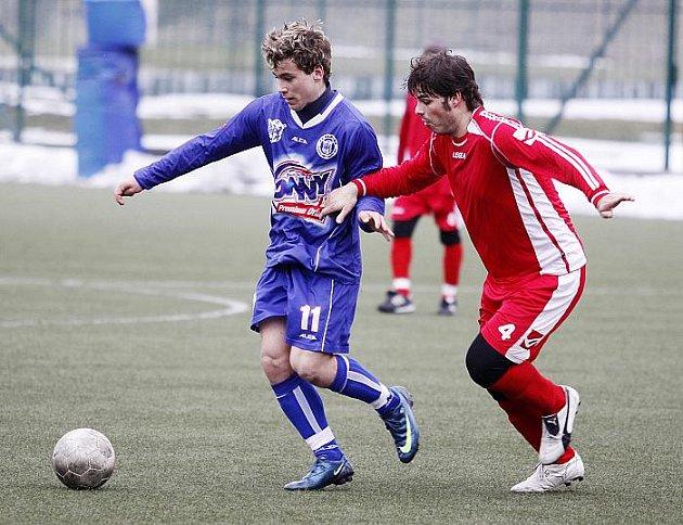 SK Kladno B - Brozany, úvodní zápas divizního fotbalového jara. Hosté vyhráli 3:0.