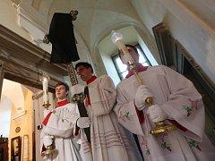 Na Velký pátek si křesťané připomněli smrt Ježíše Krista na kříži