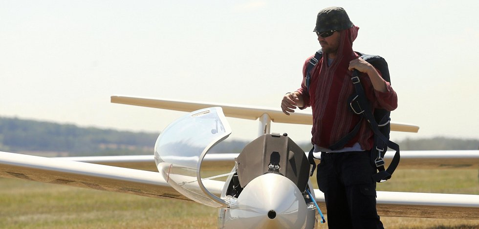 Vyznavači bezmotorového létání si dali sraz na letišti v Roudnici nad Labem