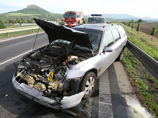 Nehoda na přivaděči k Mostu generála Chábery.