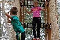 Dětské hřiště s dopravním zaměřením bylo otevřeno v lovosické ulici Prokopa Holého.