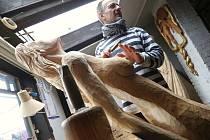 David Fiala ve svém ateliéru.