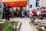 Komunitní centrum Naděje v Roudnici nad Labem slavnostně otevřelo zahrádku pro klienty