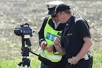 MĚŘILI. Další víkend byli řidiči na Litoměřicku pod zostřeným dohledem policistů.