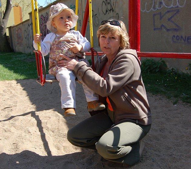Pracovnice Bambina chodí s dětmi na procházky