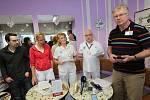 Brífink zaměstnanců a odborů městské nemocnice v Litoměřicích k petici o zachování nemocnice pod městem