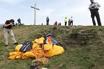 Nedělní nehoda paraglidisty.