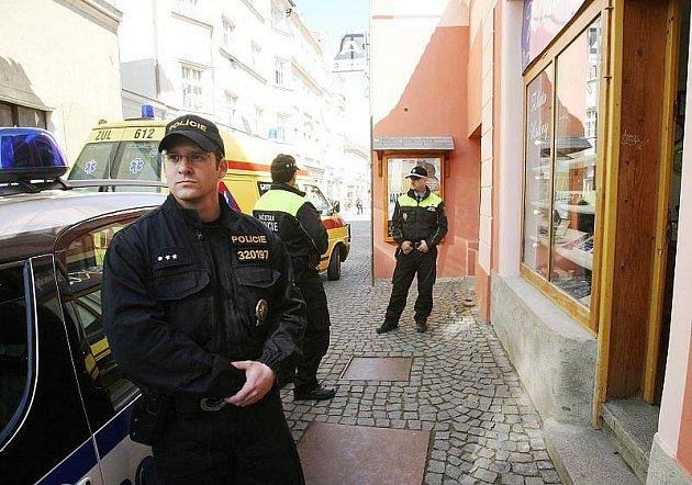 V Litoměřicích bylo přepadeno klenotnictví v Novobranské ulici.