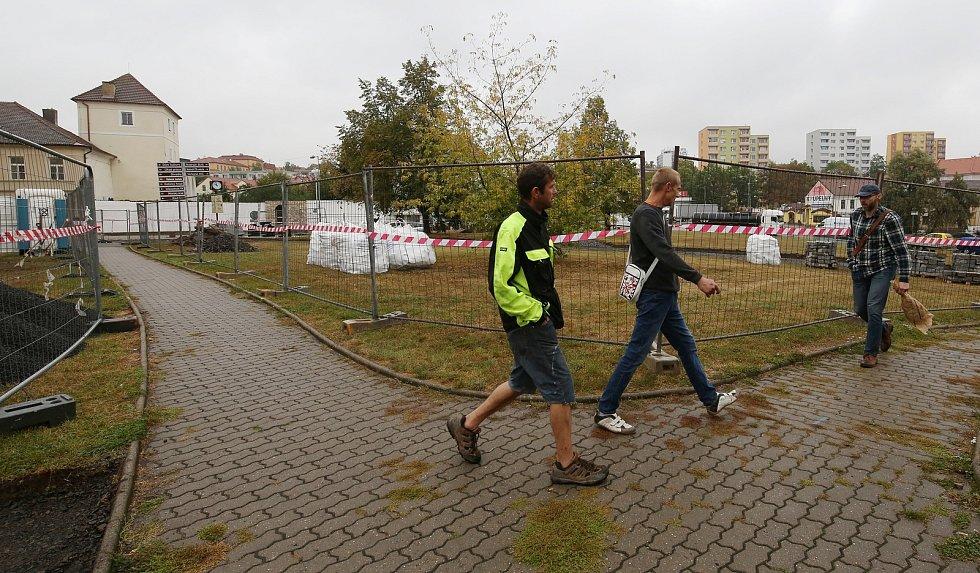 Rekonstrukce parku v Litoměřicích u Bašty pokračuje