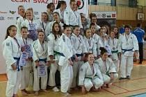 STŘÍBRO. Dorostenky Sport Judo Litoměřice vybojovaly na domácím šampionátu stříbrné medaile.