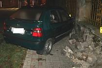 ŘIDIČKA utrpěla jen lehčí zranění.