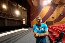 Rekonstrukce kina Máj v Litoměřicích běží naplno, chystá se nový vícekanálový digitální zvuk a přibude i nové lepší plátno.