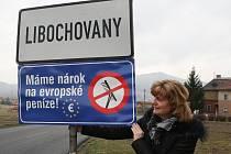 NEJEN Libochovany, ale také Malé a Velké Žernoseky, Miřejovice, Michalovice, Dušníky nebo Dolánky nad Ohří protestovaly netradiční formou cedulí se vzkazem: Máme nárok na evropské peníze!