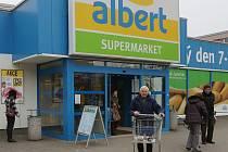 ALBERT V POKRATICÍCH. Prodejny v ulici Marie Majerové se Ahold na příkaz ÚOHS musí vzdát. Kdo ji převezme, není jasné. Jednání ještě nejsou u konce. Do té doby bude Albert fungovat.