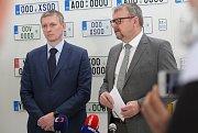 Výroba registračních značek pro motorová vozidla ve Štětí.