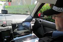 MĚSTSKÁ POLICIE v Roudnici nad Labem měří rychlost motorových vozidel, ale jako jedna z mála si k tomu musí půjčovat radar. Město letos počítá s penězi na jeho zakoupení.