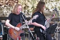 Lákadlem pro milovníky piva bude jistě vystoupení litoměřické kapely Vintage Retro, která potěší bigbítová srdce zásadními skladbami rockové historie.