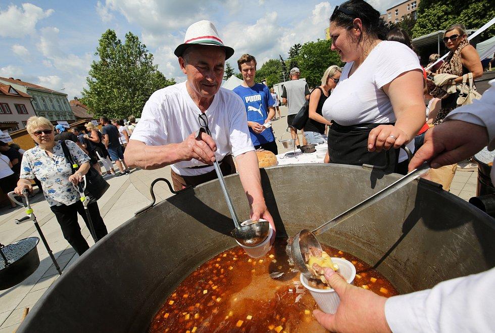 Soutěž o nejlepší kotlíkový guláš v Lovosicích