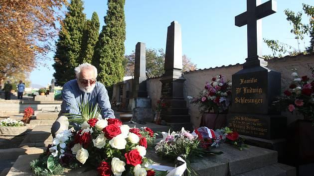 Na litoměřickém hřbitově si připomněli 180 let od narození Ludwiga Schlesingera.