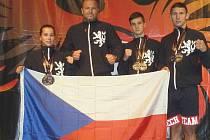 ÚSPĚŠNÁ VÝPRAVA lovosických kickboxerů (zleva): Barbora Marešová, trenér Vít Masopust, Vojtěch Modra a Michal Lupínek.