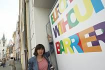 DEN PŘED SETKÁNÍM ministrů dopravy členských zemí Evropské unie vyrostly pod podloubím na Mírovém náměstí v Litoměřicích stojany s velkoplošnými plakáty, které jsou dílem studentů  českých vysokých škol s výtvarným zaměřením.