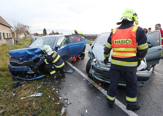 K vážné nehodě dvou aut došlo 21. listopadu u Nových Kopist