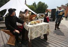 Slavnosti přilákaly milovníky historie, tradic i dobrého jídla.
