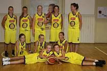 DAŘÍ SE. Mladé basketbalistky Slovanu mají důvod k úsměvům, v lize se jim totiž daří.