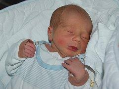 Kristýně Křížové a Jiřímu Jiráskovi z Úštěku se 26. února v 13.26 hodin narodil v Litoměřicích syn  Jiří Jirásek. Měřil 47 cm a vážil 2,8 kg.