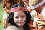 V Rýdeči u Třebušína připravili v roce 2011 soukromý indiánský tábor pro dvacítku dětí, vlastních i svých přátel,  manželé Panochovi.