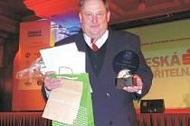Za pořadatele nejúspěšnější akce veteránského fotbalu roku 2007 v kategorii Grassroots – Fotbal pro všechny převzal cenu Jindřich Zídek.