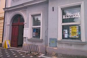 Městská knihovna Ervína Špindlera v Roudnice nad Labem.