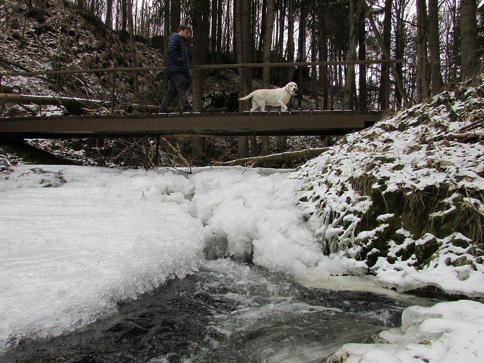 Bobří soutěska v zimě na starším snímku.