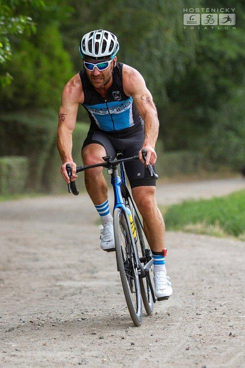 SOLAP KRÁL STŘEDOHOŘÍ pokračuje triatlonem v Hoštěnicích. Na snímku Jan Kokoška.
