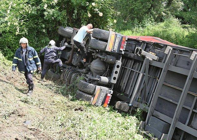 Nehoda kamionu v Lovosicích.
