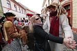 Tradiční masopust s létajícím prasetem proběhl v sobotu v Úštěku.