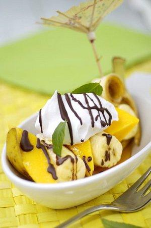 Banánová gondola plněná mangem