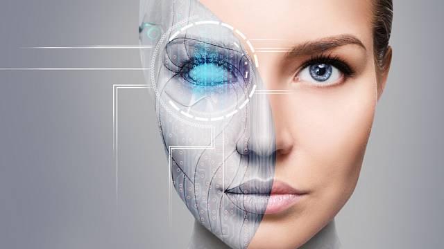 V budoucnu prý bude v lidském těle přibývat umělých implantátů.