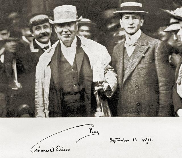 Thomas Alva Edison sEmilem Kolbenem (vpravo) při návštěvě Prahy vroce 1911