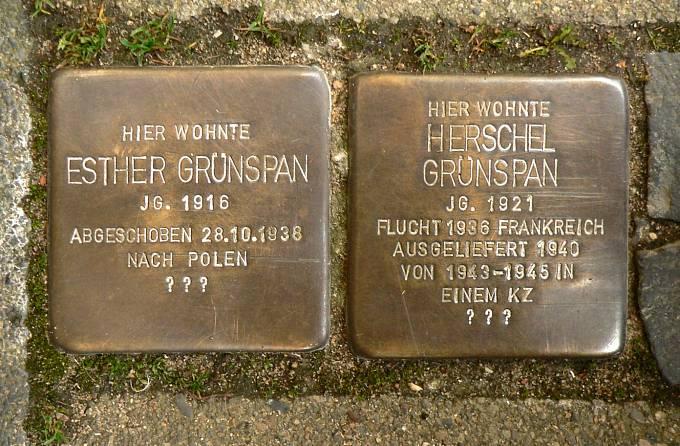 Pamětní destičky Herschela Grynszpana a Esther Grynszpanové
