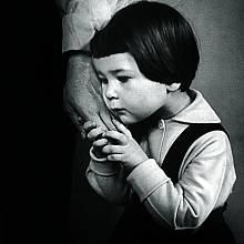 Sutkus, Mother's Hand