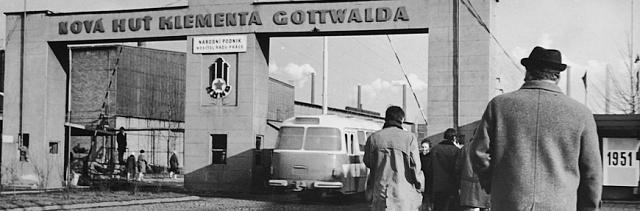V50. letech 20.století unás bylo nesmyslně preferováno hutnictví a těžké strojírenství - Nová huť Klementa Gottwalda vOstravě