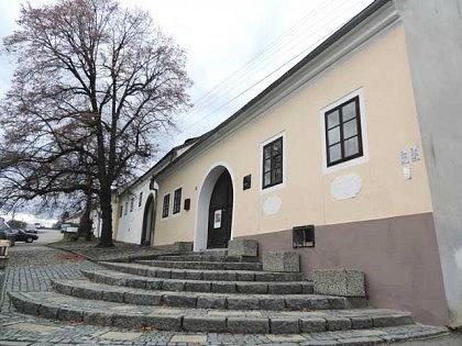 Údajný rodný domek Jana Husa vHusinci uPrachatic. Objekt byl letos zrekonstruován nákladem 26milionů korun.