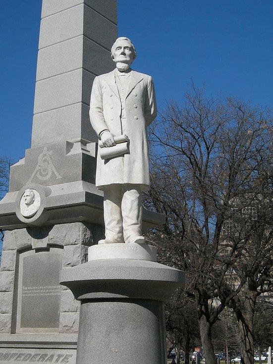 Socha Jeffersona Davise v texaském Dallasu