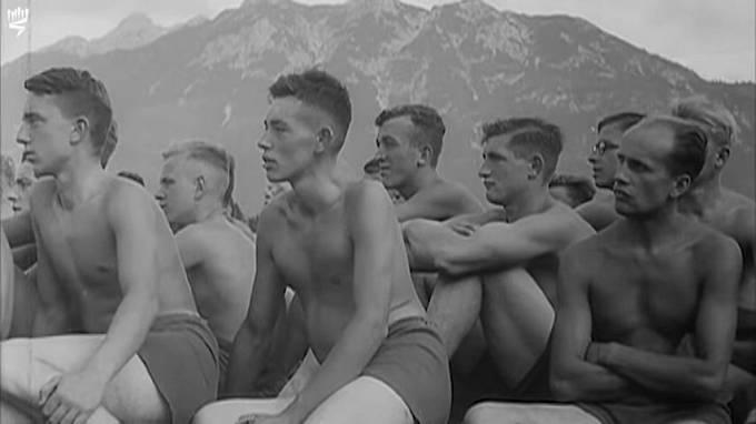 Chlapci vyrůstali s vědomím, že se z nich stanou vojáci.