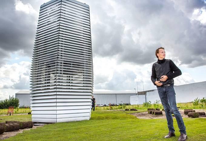 Designér Daan Roosegaarde u své věže