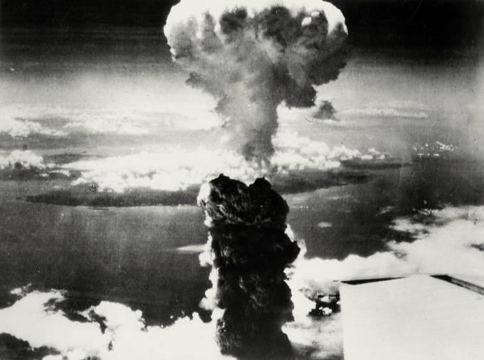 Atomový hřib po shození Little Boy na Hirošimu