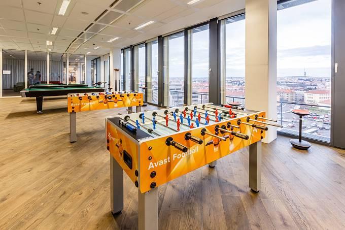Nové kanceláře firmy Avast / kulečník a stolní fotbálek